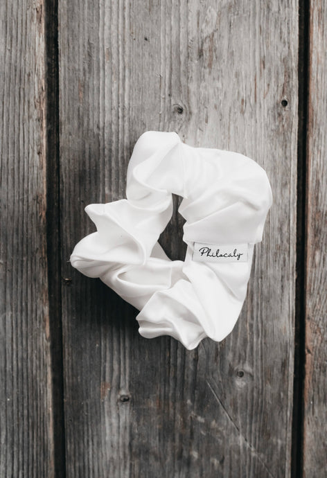BRIDAL SILK SCRUNCHIE