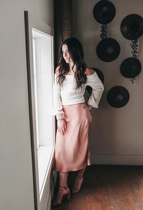 ROSÉ ALL DAY SATIN SKIRT
