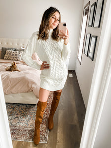 DOVE DETAILED SWEATER DRESS