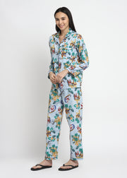 Santa By The Beach Print Long Sleeve Women's Night Suit