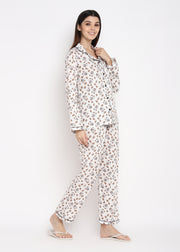 Bugs Bunny Print Long Sleeve Women's Night Suit
