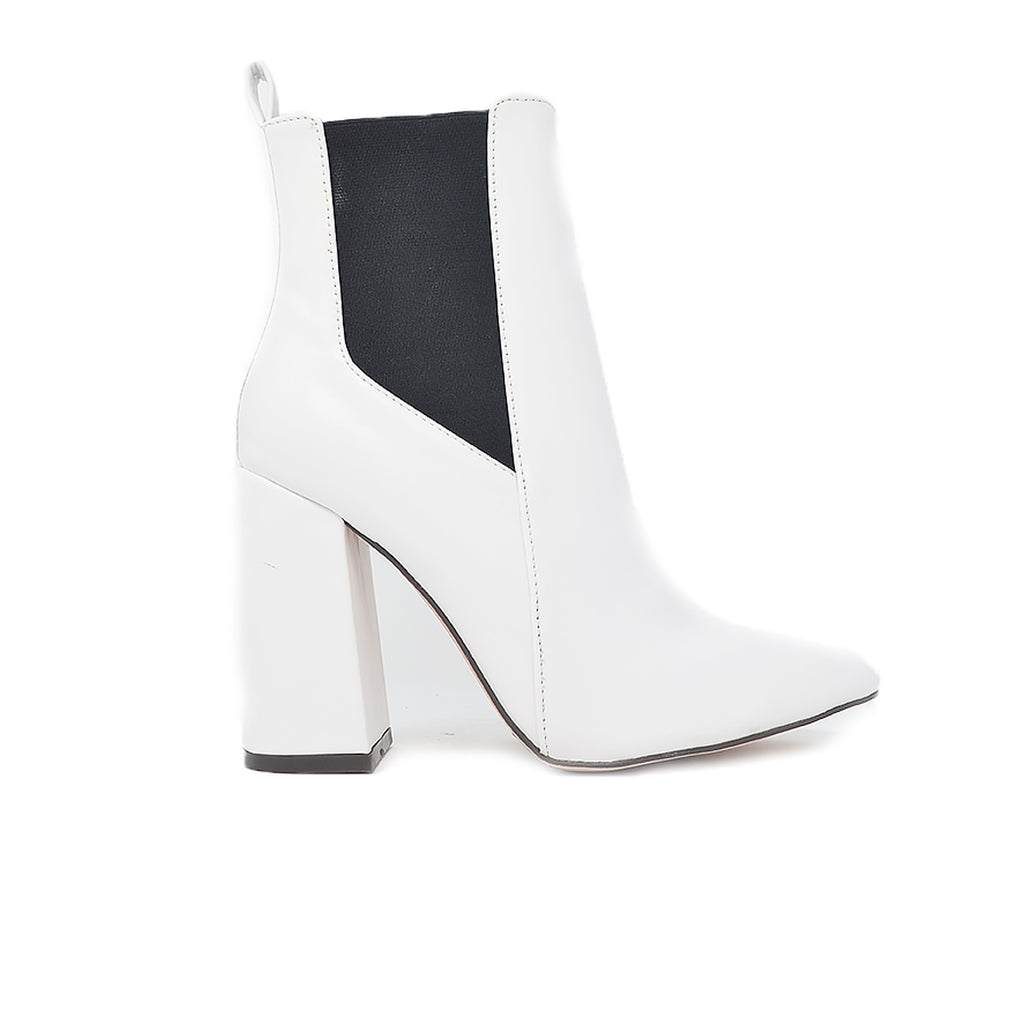"""EGO""- WHITE FAUX LEATHER BOOTIES"