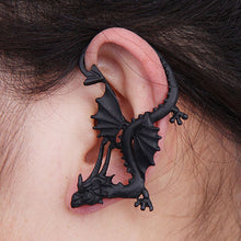 Load image into Gallery viewer, Gothic Punk Temptation Metal Dragon Bite Black Ear Cuff Wrap Clip Earring