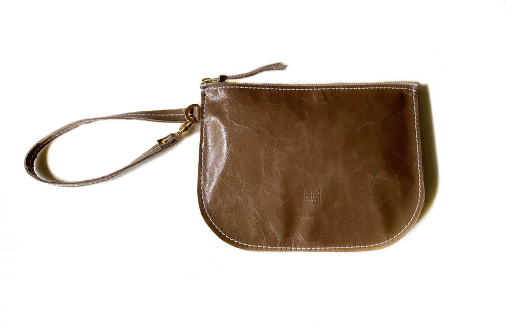 Fawn Wristlet Front