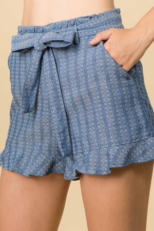TEXTURED CHAMBRAY RUFFLE SHORTS WITH WAIST TIES