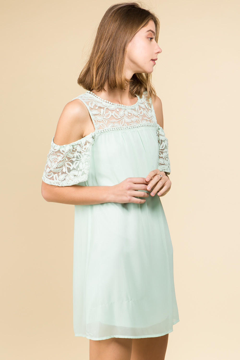 LACE SHOULDER AND YOKE BASIC MINI DRESS