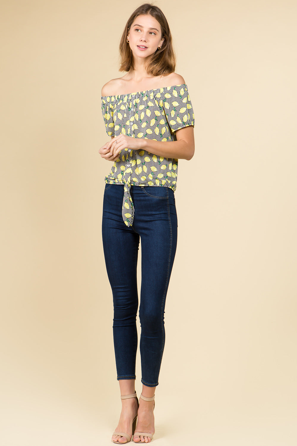 OFF SHOULDER TIE FRONT PULL OVER IN LEMON PRINT WITH SHORT SLEEVE