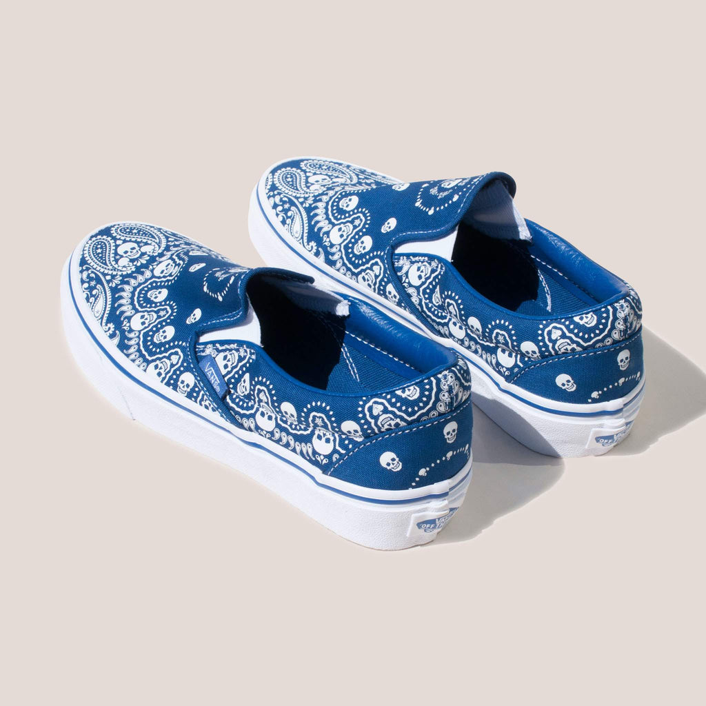 Vans - Classic Slip On in Bandana, back view.