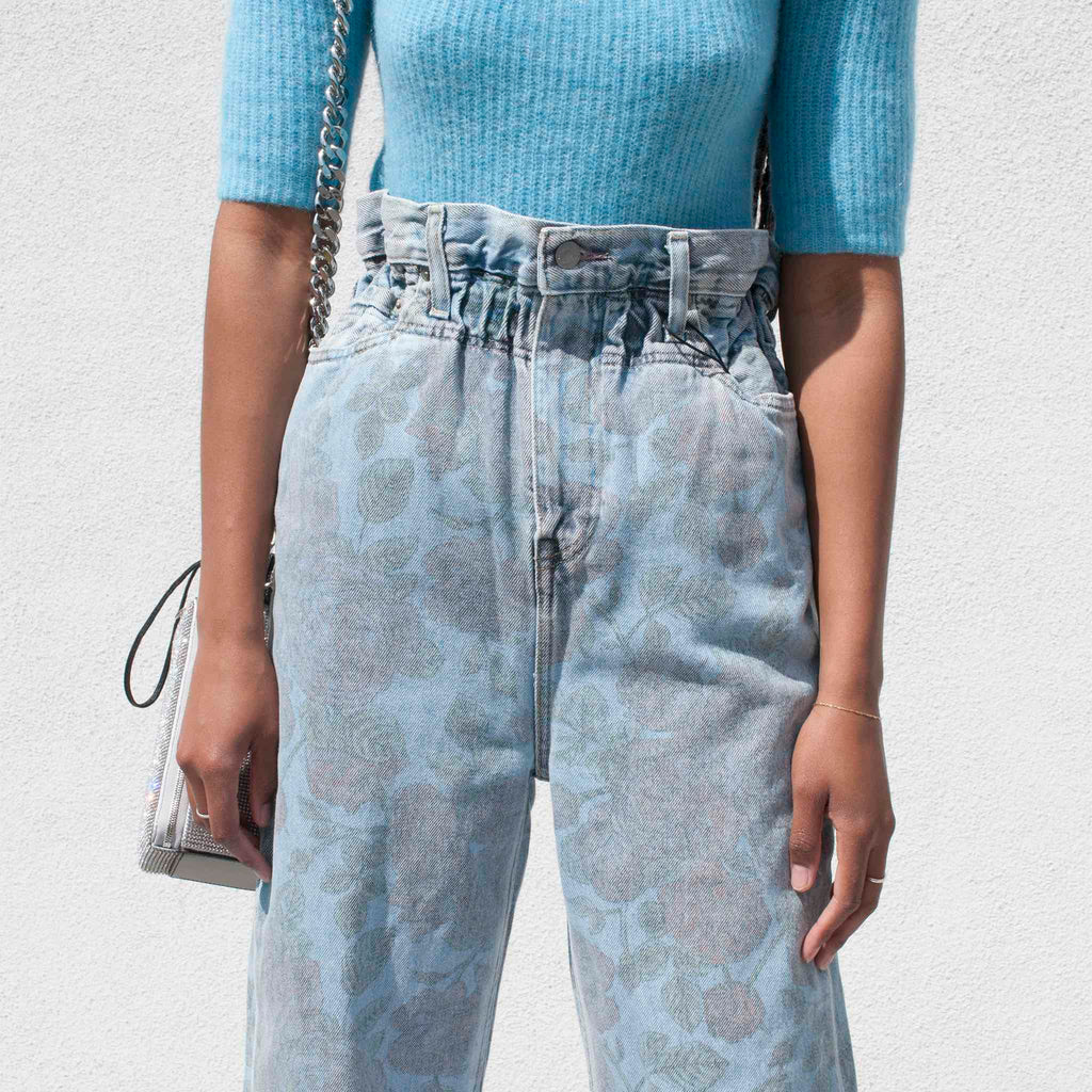 GANNI x Levi's Printed High Waisted Jeans - Light Denim, detail view.