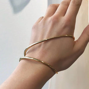 Charlotte Chesnais - Ivy Bracelet on the hand, available at LCD