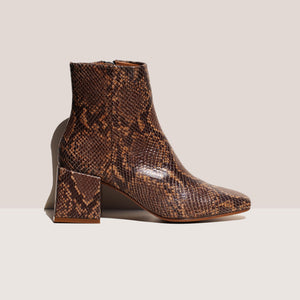 LoQ - Lazaro Boot - Castaña Python, side view, available at LCD.