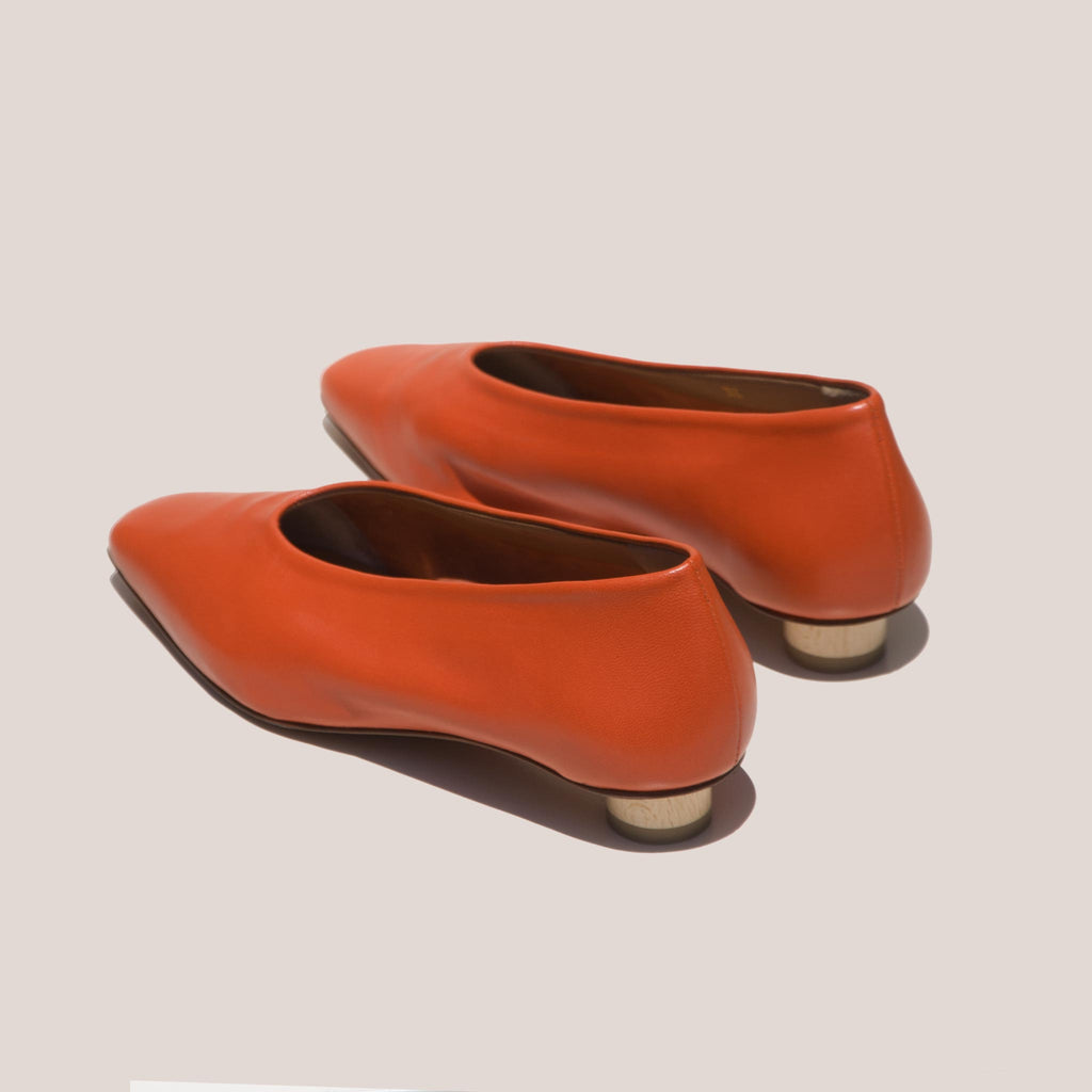 LoQ - Paz Flats - Paprika, back view, available at LCD.
