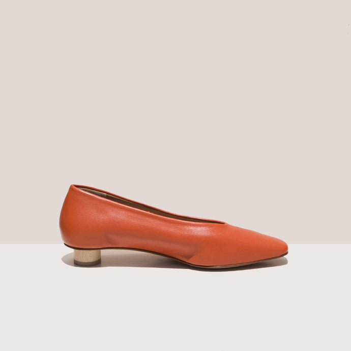 LoQ - Paz Flats - Paprika, side view, available at LCD.