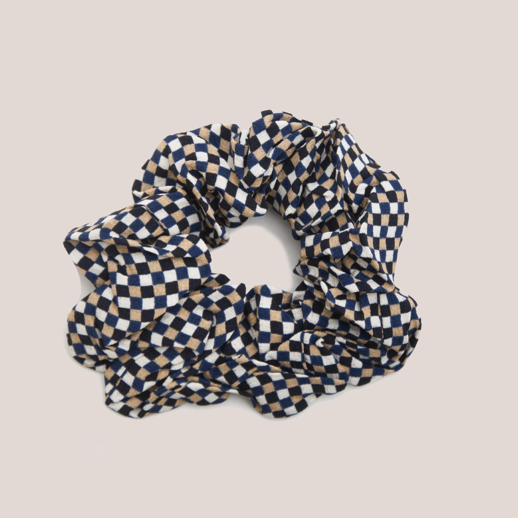 Ganni - Scrunchie - Tannin Check, available at LCD.