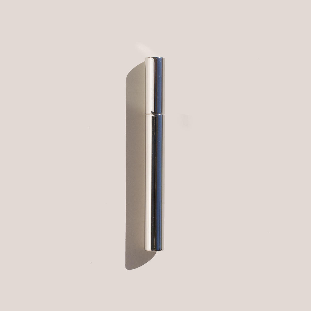 Tsubota Pearl - Sigaretta Stick Lighter in Silver.