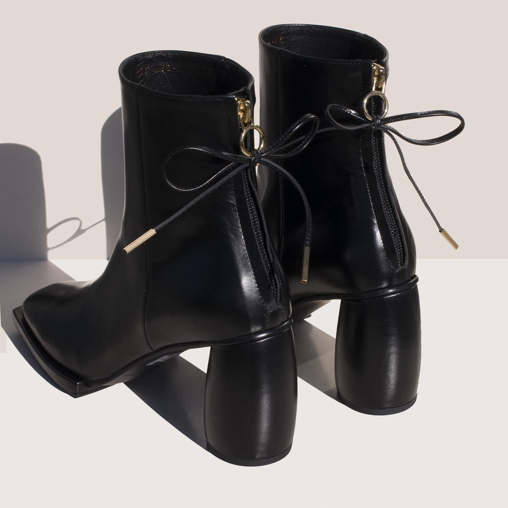 Reike Nen - Square Ribbon Half Boots, bacl view.