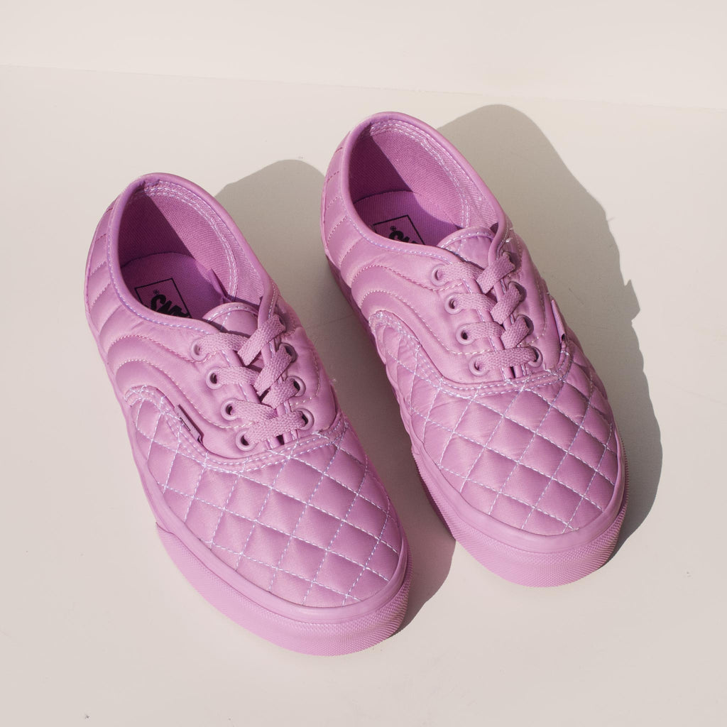 Vans - Vans x OC Quilted Authentic in Orchid, aerial view.Vans - Vans x OC Quilted Authentic in Orchid, angled view.