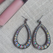 Load image into Gallery viewer, Sparkling Earrings