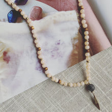 Load image into Gallery viewer, Peach Beaded Necklace