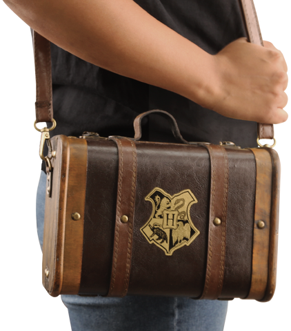 Hufflepuff Mini Hogwarts School Trunk - Winter Warmer Bundle