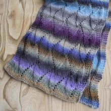 Load image into Gallery viewer, Wave pattern scarf kit Mille colori yarn