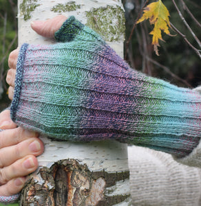 fingerless mitts pink green 2170