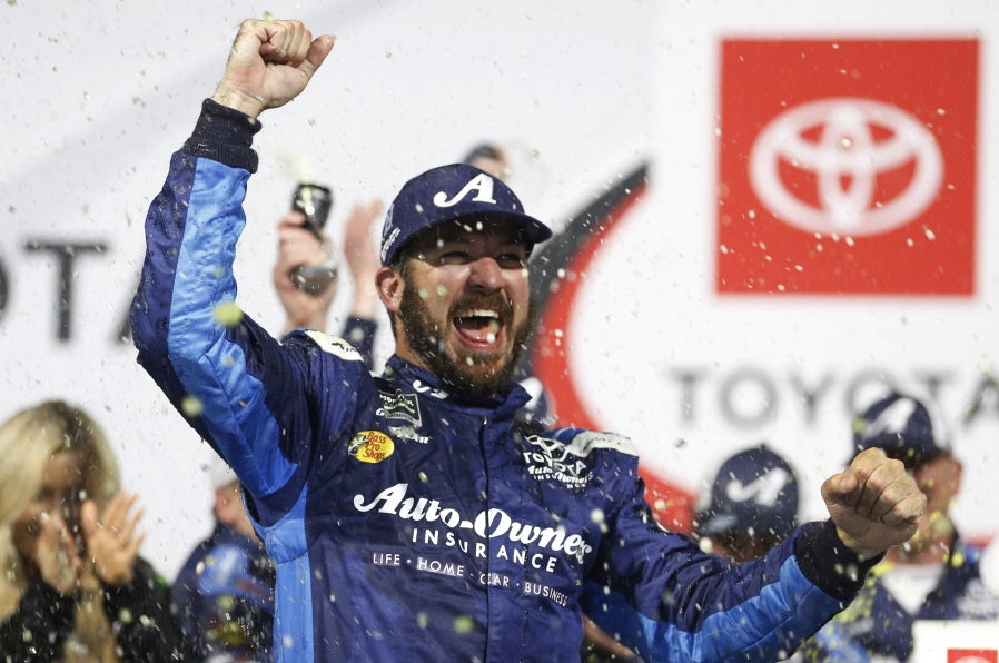 Martin Truex Jr. wins at Richmond to snap drought at short tracks