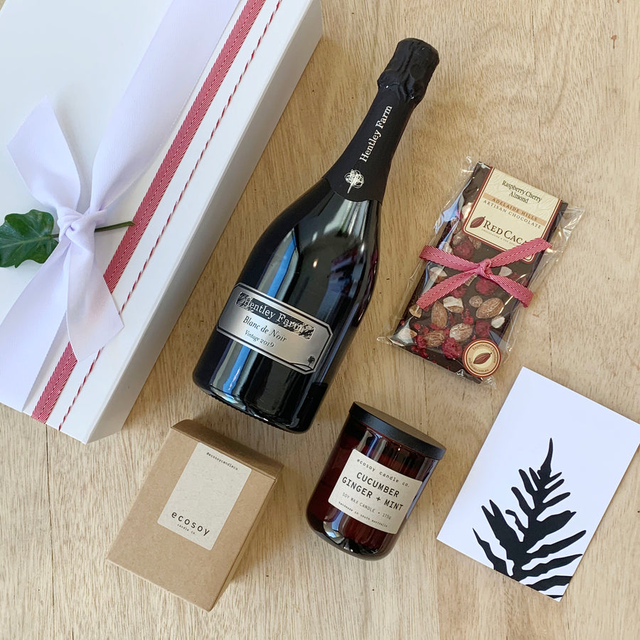 Red Earth Gift Package - Hentley Farm Sparkling & Red Cacao Chocolate & Eco soy Candle