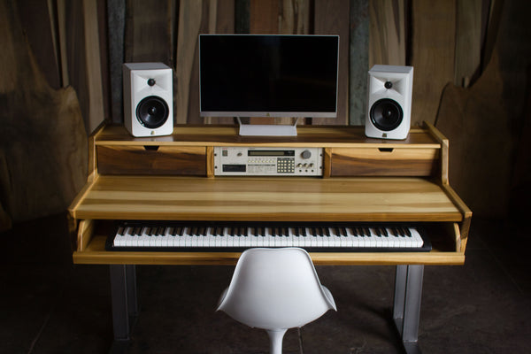 Vx88 Studio Desk In Sun Tanned Poplar Monkwood