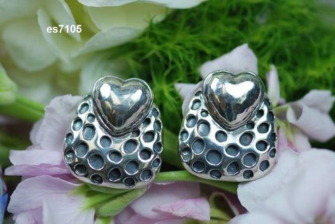 es7105 crater sterling heart earrings (clip only)