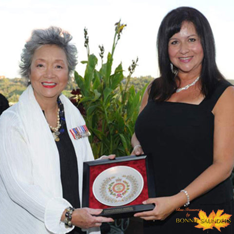 Presentation by Bonnie Saunders to Colonel-In-Chief Adrienne Clarkson