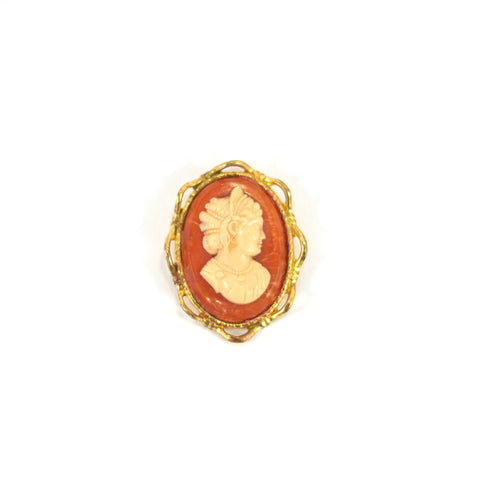 Cameo Here And Kiss Me Vintage Brooch. Gold coloured, cameo style.