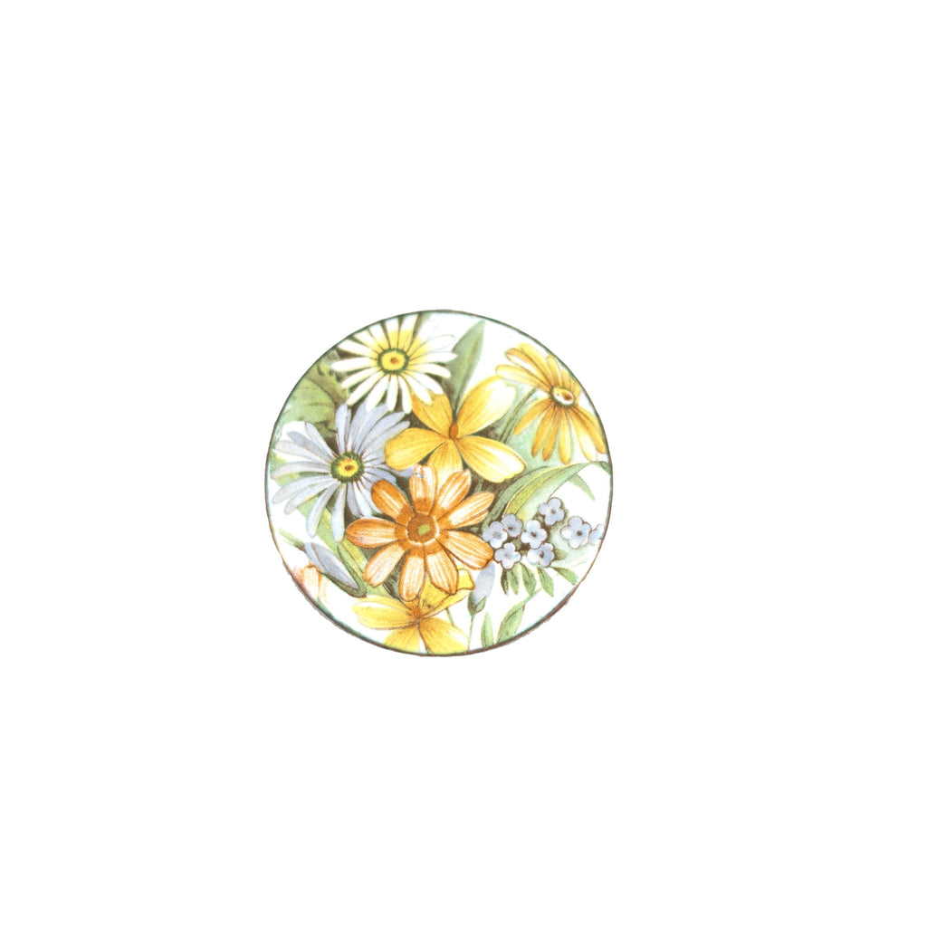 Darling Daisies Vintage Brooch. Floral design and pin fastener.