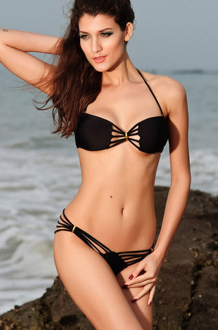 Seductive black strappy Bikini