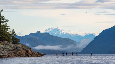 Group paddle in the Howe Sound