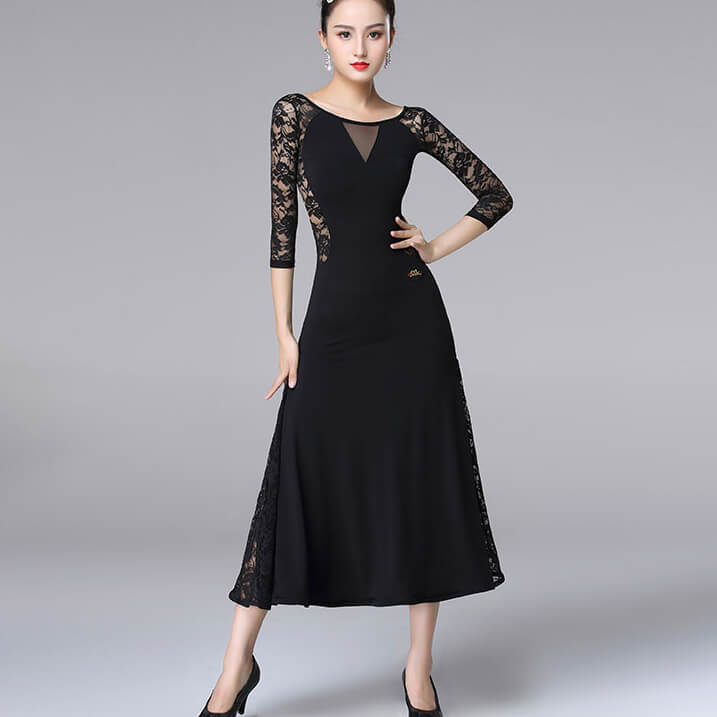 Floral Embroidery Crew Neck Ballroom Dress with Lace