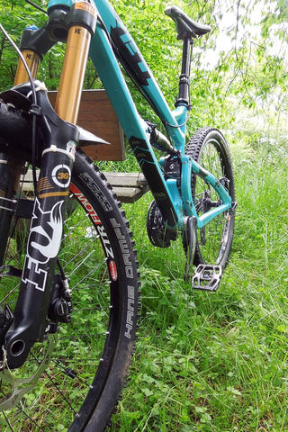 Yeti Enduro bike protected with AMS Black Frame Guard