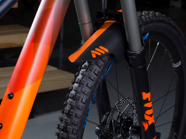 AMS Mud Guard Orange on a Giant enduro mountain bike