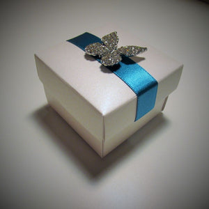 wedding favour box with ribbon and embellishment