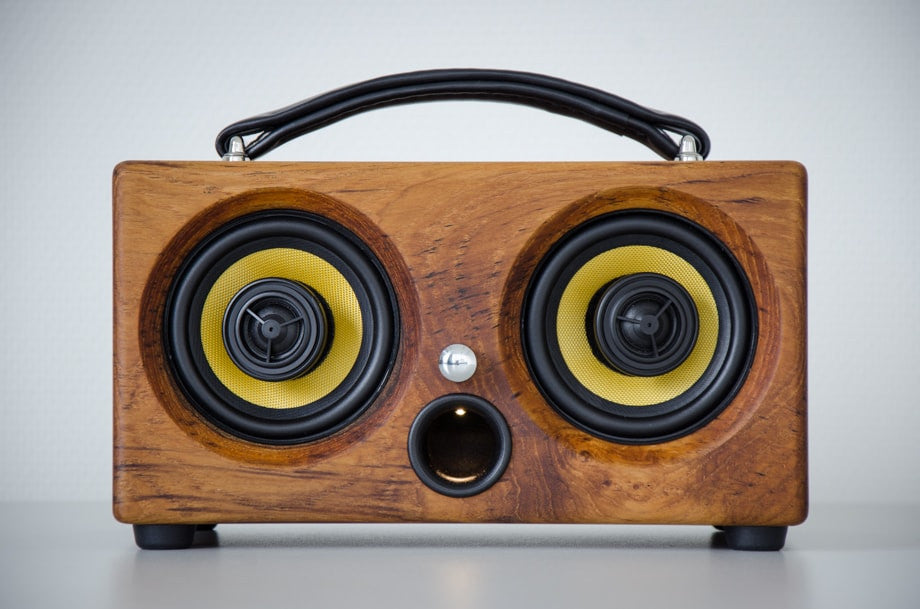 bluetooth speaker soundbar wireless speakers wooden speaker wood bamboo speakers 2017 review new latest best system outdoor camping holiday present custom boat boating beach trip portable sound boombox wifi guitar amplifier kitchen office design furniture surround home cinema bluesound sonos marshall bose teufel beats harman kardon jbl audio pro sony