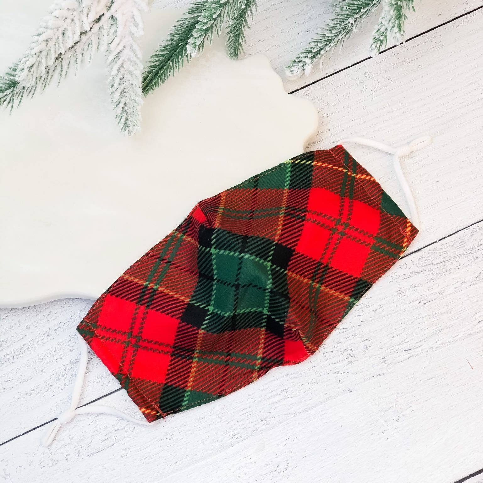 HOLIDAY PLAID MASK
