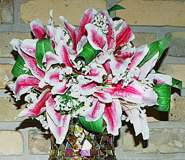 RUBRUM LILY BOUQUET DUPLICATE
