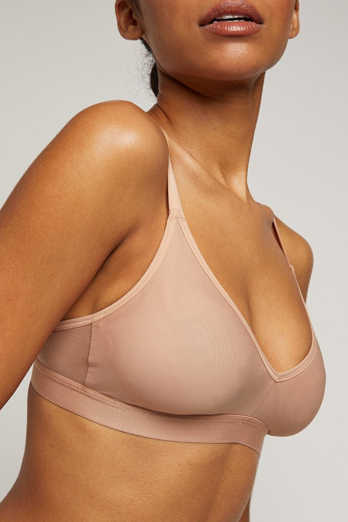Shown here on Shereen, bra size 32C, wearing our size 1 [Shereen 32C]