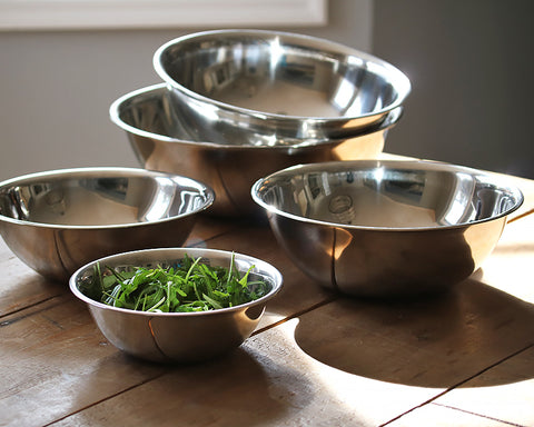5 sizes of Stainless Steel Bowls displayed on a table