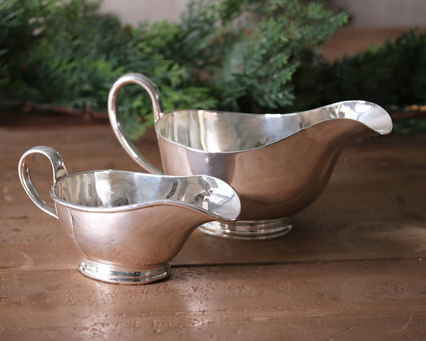 The medium and grand vintage HÔTEL Silver Sauce Boats