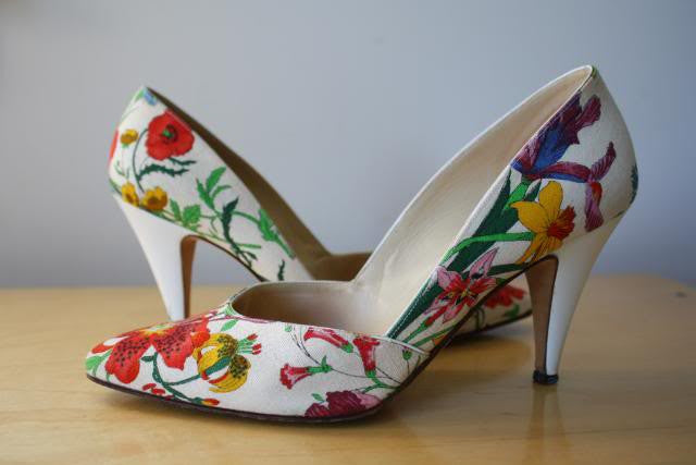 Vintage Late 70's GUCCU Floral & Fauna Canvas & Leather White Pumps, Size 38.5