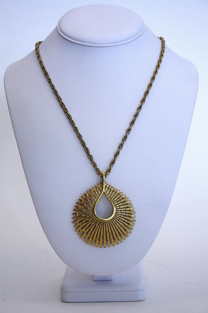 Vintage TRIFARI Gold Necklace