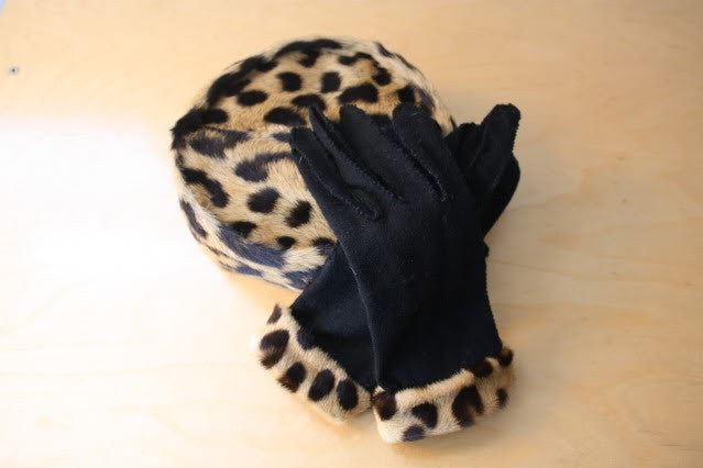 Vintage 60's Genuine GEOFFREY CAT Fur Hat & Matching Gloves with Box
