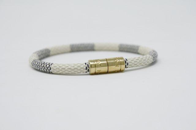 "LOUIS VUITTON ""Keep It"" Damier Bracelet"