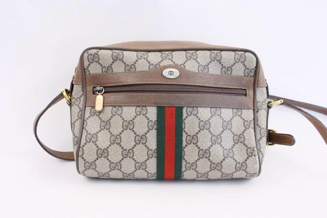 867752371e9 Vintage GUCCI Ophidia GG Supreme Bag at Rice and Beans Vintage